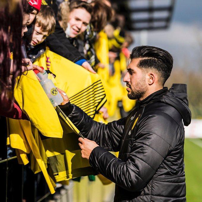 Emre_Can_signing_Dortmund_Flag