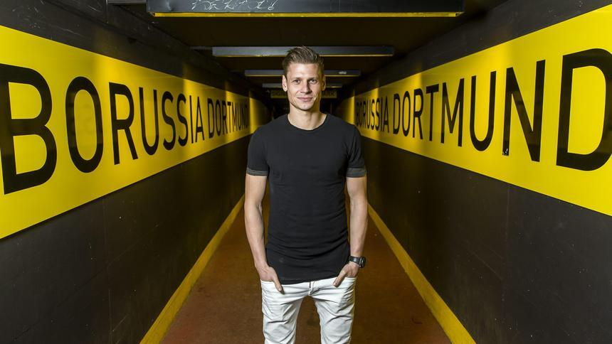 Lukasz-Piszczek-Dortmund-wallpapers