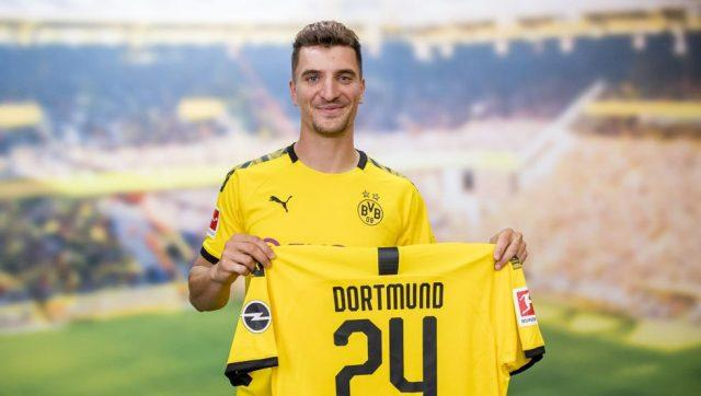 Dortmund-sign-Thomas-Meunier