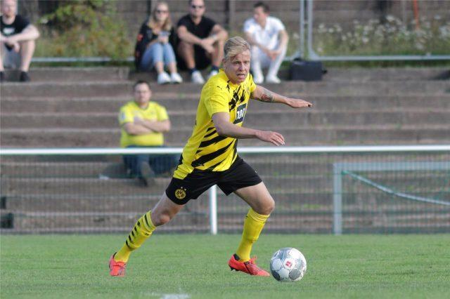 Maloney-signs-Dortmund-II