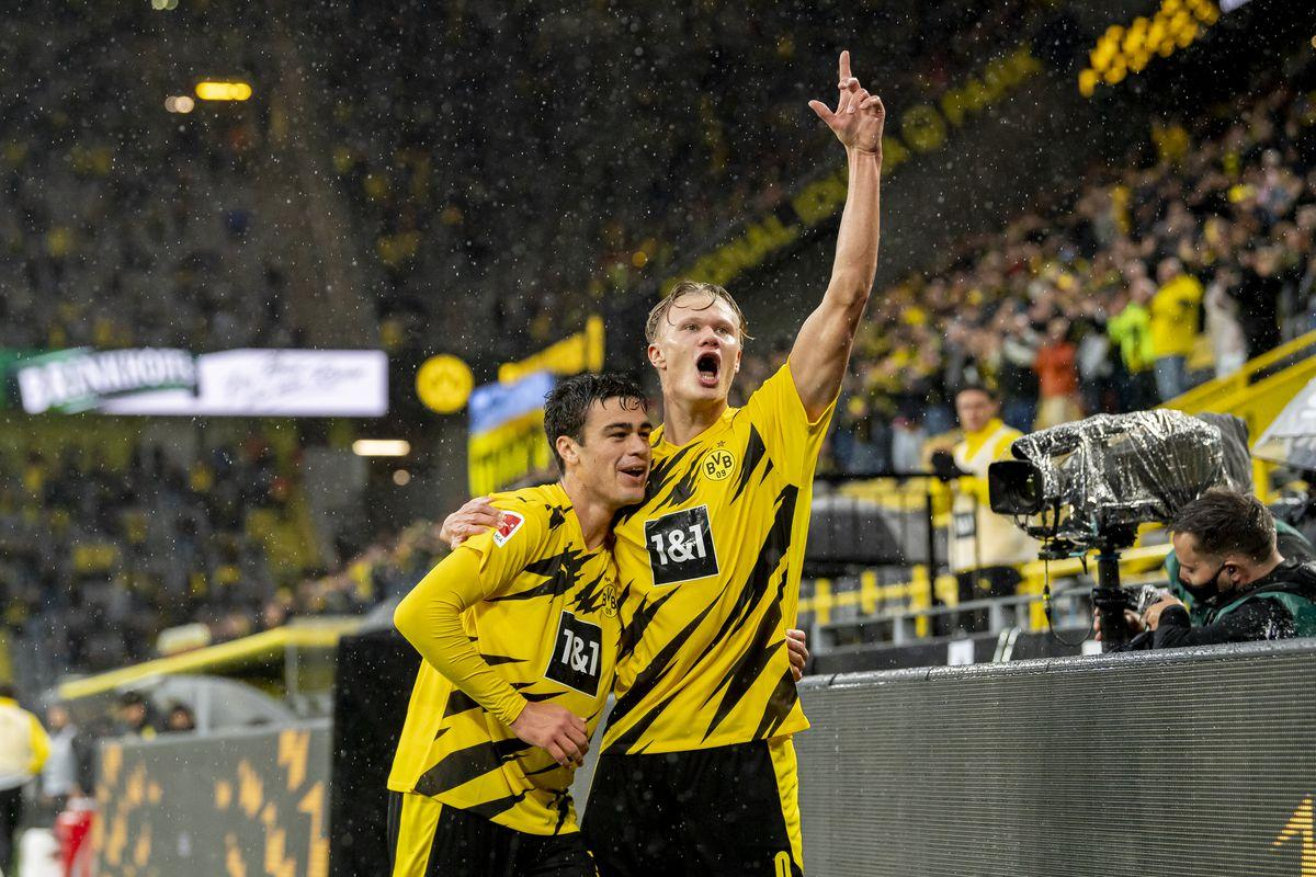 Hattrick Of Reyna Assists Gives Dortmund 4 0 Win V Freiburg
